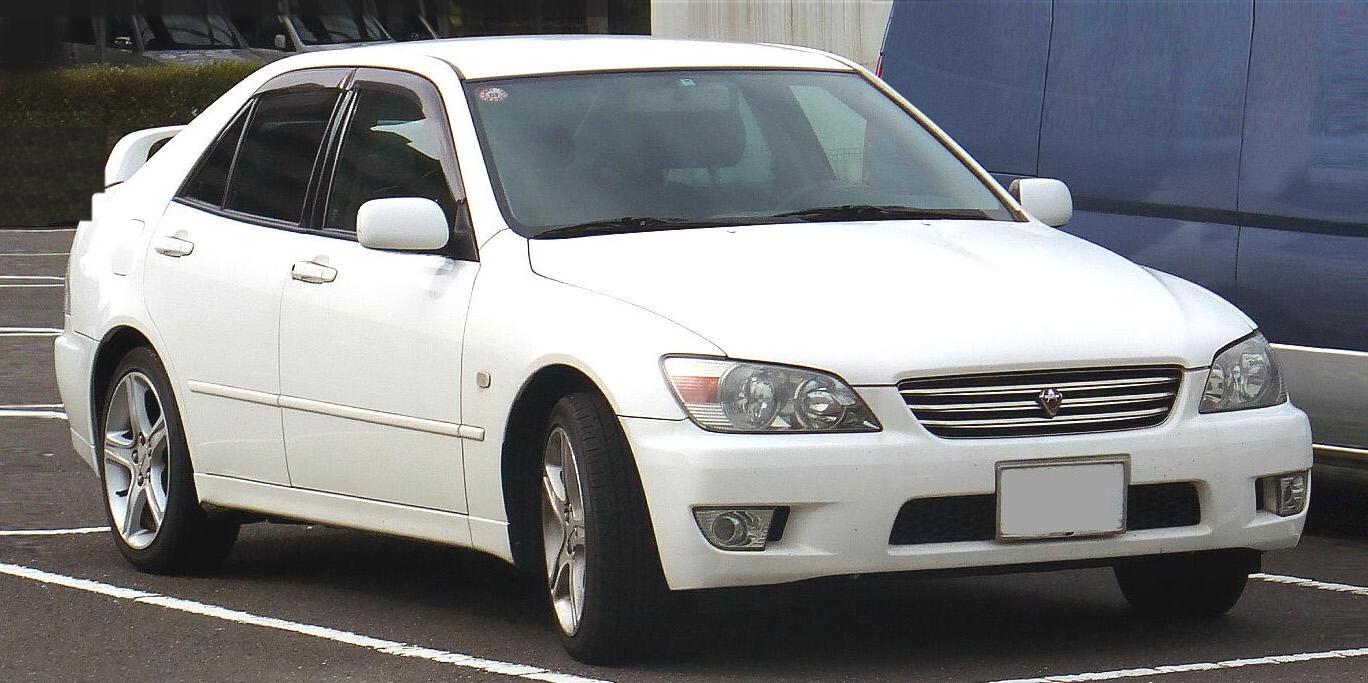 トヨタ セダン 種類